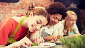 élèves en cours de cuisine