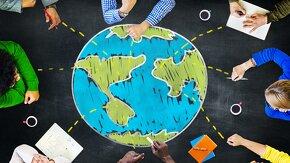 personnes autour d'un globe dessiné