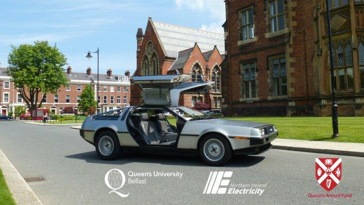Des étudiants reproduisent la voiture DeLorean